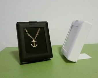 Gem Boxes for Displays White & Black