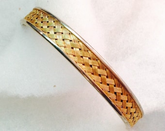 """Vintage! Gold tone bangle bracelet with woven gold fiber design @ 1/2"""" x 2 1/2""""."""