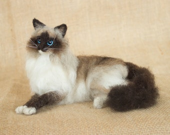 Made to Order Needle Felted Cat (long-haired): Custom needle felted animal sculpture