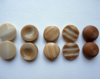 Different sets of 2 small plastic buttons color beige, camel, ochre, the shape of beads 22 mm diameter