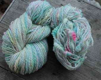 Pastel twins - set of 2 handspun and handdyed yarns - twoplied and art yarn