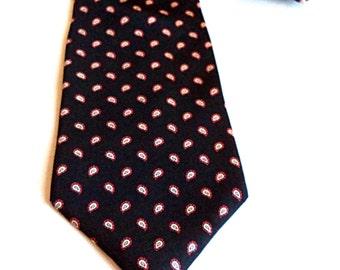 Men's All SILK LONDONBERRY TIE Paisley Necktie Black Red Cream Neck Tie Women's Wedding Accessories Excellent Condition