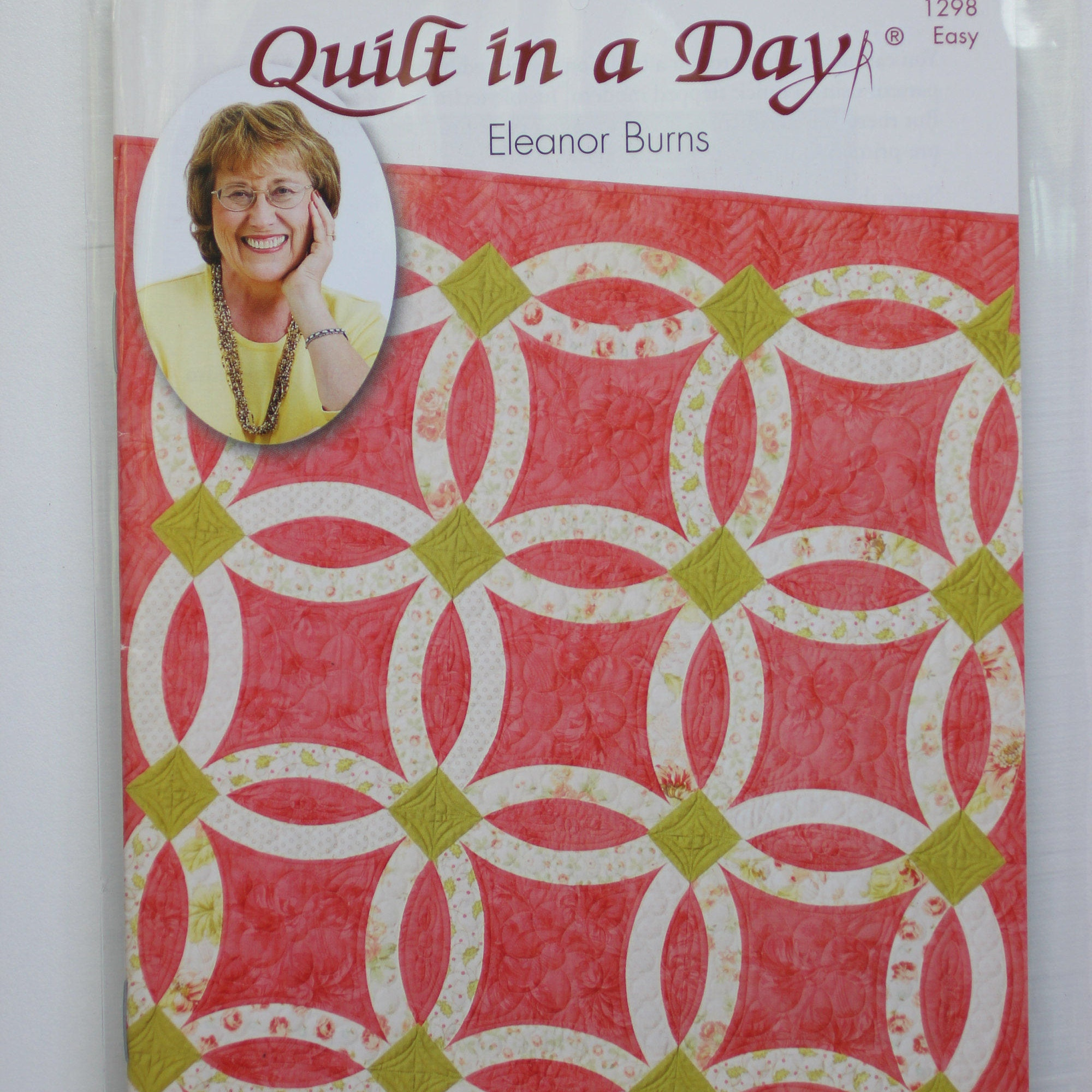 Nouveau Wedding Ring: Quilt in a Day. Easy quilt pattern.