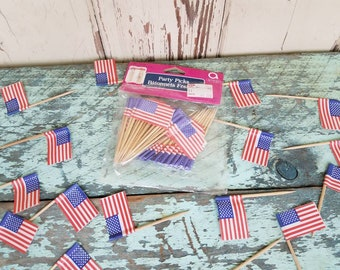 Vintage American Flag Party Picks - Cupcake Toothpicks With Paper Flag Decor, 80 Retro Party Decorations UNUSED, 4th of July, American Decor