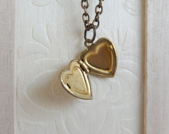 Vintage heart locket necklace,Photo Locket necklace, Locket jewelry,Unique gift for her,Graduation gift,Women's jewelry