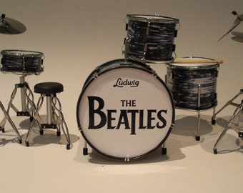 Ringo Starr THE BEATLS miniature drum kit