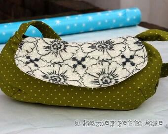 Green dotty flower halfmoon handbag