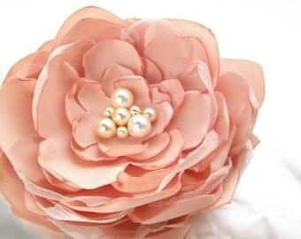 Peach Bridal Flower Hair clip, Peach Wedding Hair Accessory, Peach Fascinator, Peach Bridal Head Piece