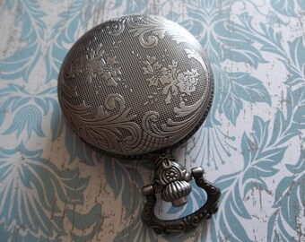 Antiqued Silver Pocket Watch Locket - Clear See Through Inside Compartment - Vintage Style - Fillable - Qty 1