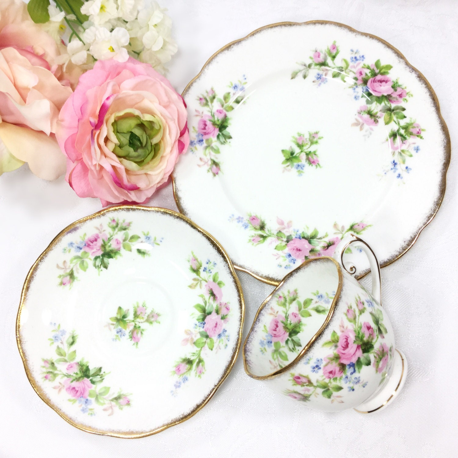 18 Piece Roslyn Moss Rose Bone China English Tea Set Moss Rose Tea Trio Moss Rose Teapot English Bone China Tea Cup Saucer Plate #A570  sc 1 st  LC Vintage Chic & 18 Piece Roslyn Moss Rose Bone China English Tea Set Moss Rose Tea ...