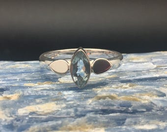 Blue Topaz Ring // 925 Sterling Silver // Marquise Setting // Blue Topaz Silver Ring