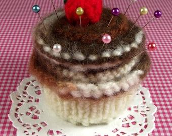 KNITTING PATTERN PINCUSHION Cupcake needlecraft Sewing knit crochet Amigurumi Food Chocolate Butterscotch Pdf Instant Download