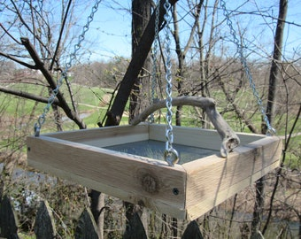 Platform, tray open bird feeder