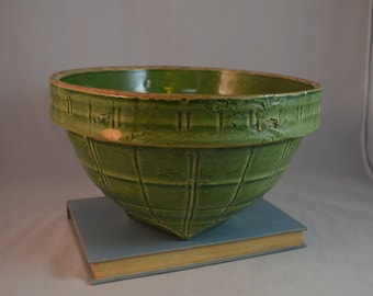 Vintage Nelson McCoy Pottery #9 Green Windowpane Mixing Bowl - One of a Nested Set