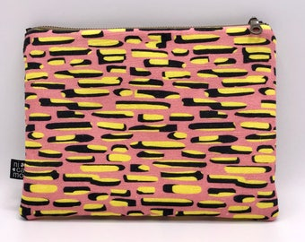 Large Pouch Nicamo with colorful abstract print