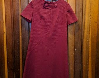 1960s // QUILTED MAROON // Vintage Maroon Short Sleeve Dress