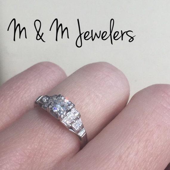 18K White Gold Ladies Diamond Art Deco Antique Ring