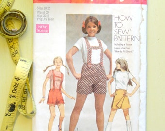Vintage Sewing Pattern   1969 Simplicity Young Junior Teens' Shorts with Suspenders and Skooter Skirt   Size 9-10
