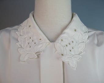 Ivory Secretary Blouse / Vtg 80s / Petite Impressions Polyester Ivory Secretary Blouse / Long Sleeves / Cut work collar
