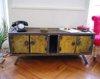 Cabinet industrial steel skewer