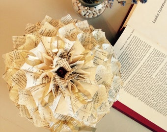 Small Book Page Wreath, gold