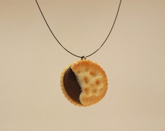 """Funny COOKIE-necklace, life-like Mini-cookie! 56cm/22"""""""