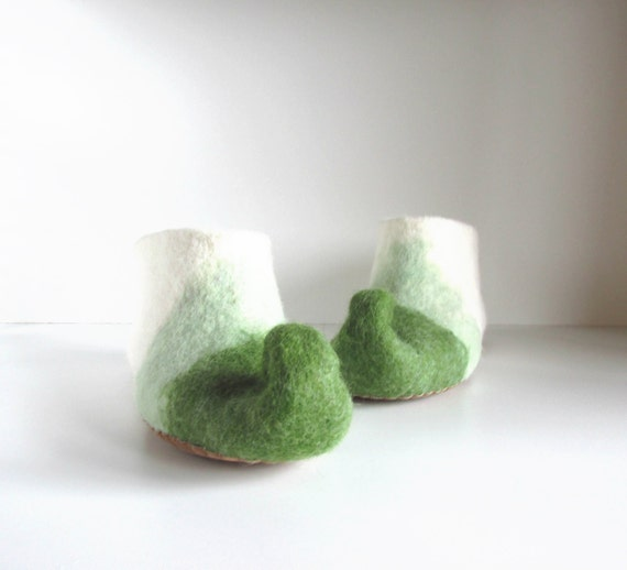 slippers wool slippers gnome Felted adult wool slippers slippers house green felted white felt shoes elf slippers slippers qHdXdw
