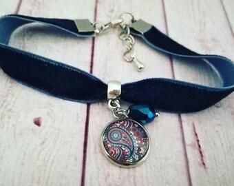 Bracelet, blue velvet, pendant bracelet, Pendants Paisley cameo, Cabochon