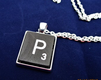 SCRABBLE INITIAL P NECKLACE with chain