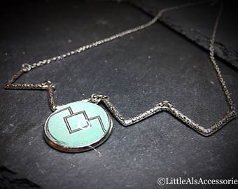 Twin Peaks, Chevron Necklace, The Owl Twin Peaks, Silver Zig Zag Necklace, Twin Peaks Jewelry, Laura Palmer, Gift For Her, Green Pendant