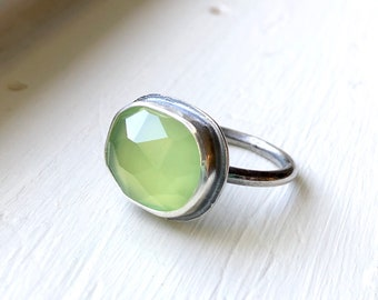 Delicate Green Chalcedony Ring - dainty gemstone ring - gift-for-her - boho gift for mom -  gemstone ring - gift ideas for her - Sara Wester