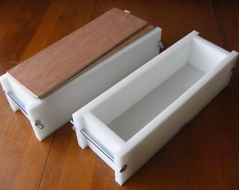 2 hdpe 3 LB Soap Molds, 2 Wooden Lids makes 22 Bars E.