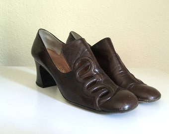 Vintage Shoes Women's 60's Brown, Mod Heels, Leather, Pilgrim Pumps by Nordstrom Best (Size 7 1/2)