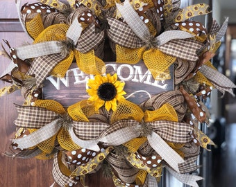 Beautiful spring, summer, and fall wreath to welcome guests into your home!!!