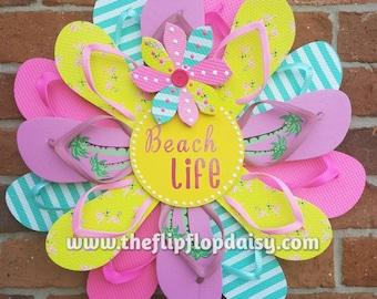 "Beautiful ""Beach Life"" Flip Flop Wreath Door Wall Decor Unique Gift So Adorable"