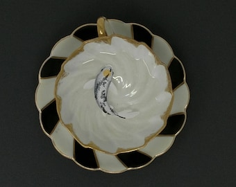 Beautiful Tea Cup With Tancho Showa Koi