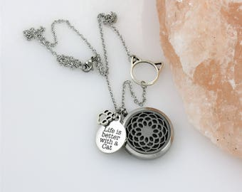 Cat Mom Diffuser Necklace - Aromatherapy Necklace Mom of Cats Cat Lady Cat Lover Essential Oil Diffusing Locket Gifts for Her Mothers Day