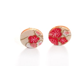 Nice pair of earrings round motif Japanese flowers red, pink gold and white Japanese paper