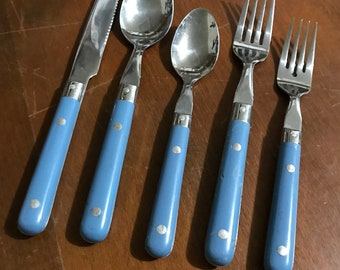 18 Pc Lifetime Stainless Flatware Set