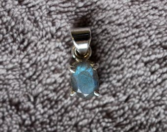Dainty Minimalist Labradorite 925 Sterling Silver Pendant