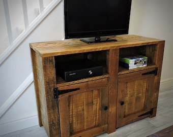 Handmade Recycled pallet New York Sideboard/TV Unit