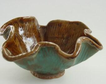 Ceramic decorative bowl (vase)
