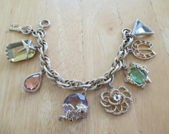 Vintage costume jewelry   / rhinestone charm bracelet