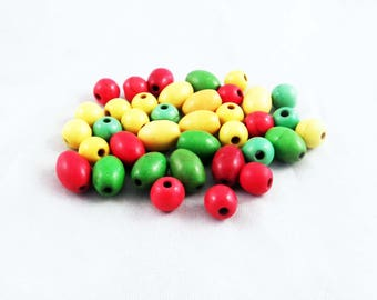 PU108 - Set of 40 beads oval round red green yellow Bob Marley Jamaica.