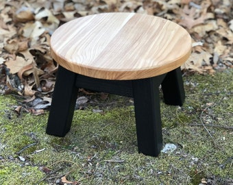 Round top, step stool, riser, modern, contemporary, wood stool, painted colors