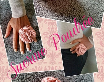 powdered crappy crochet ring