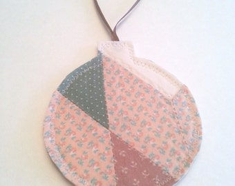 Patchwork Fabric Christmas Ornaments Made From an Upcycled Vintage Quilt / Fabric Gift Tags / Patchwork Christmas Bulb