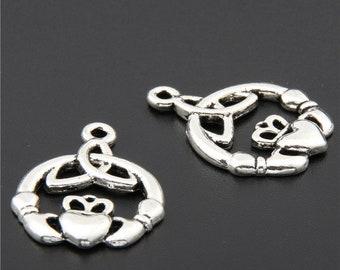 30pcs Antique Silver Hand Heart Charms Pendant A2727