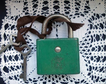 Old padlock with key 7