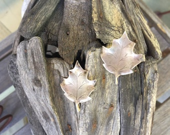 Sterling Silver Stuart Nye Maple Leaf Screw Back Earrings / Autumn / Fall / Etched Leaf / Large / Hand Wrought / Leaves / Vintage